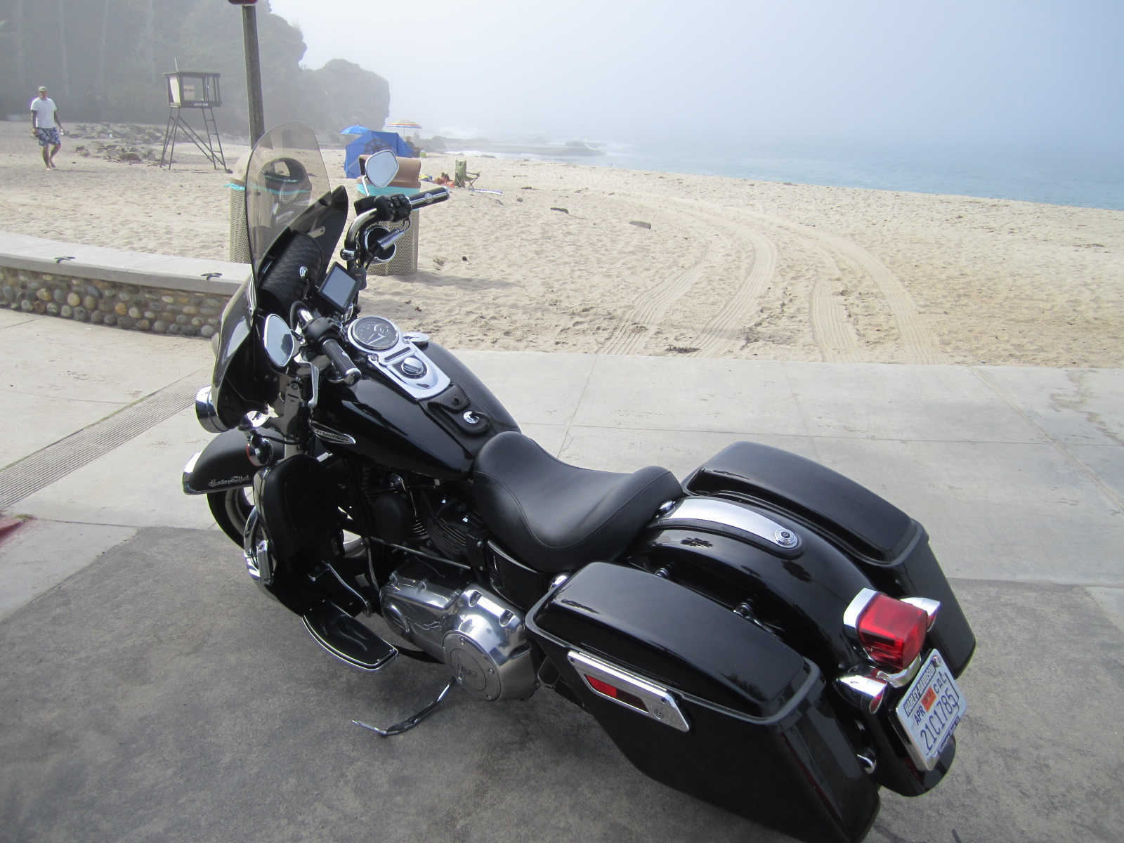 Pics of fairings and batwings on Dyna's - Page 3 - Harley